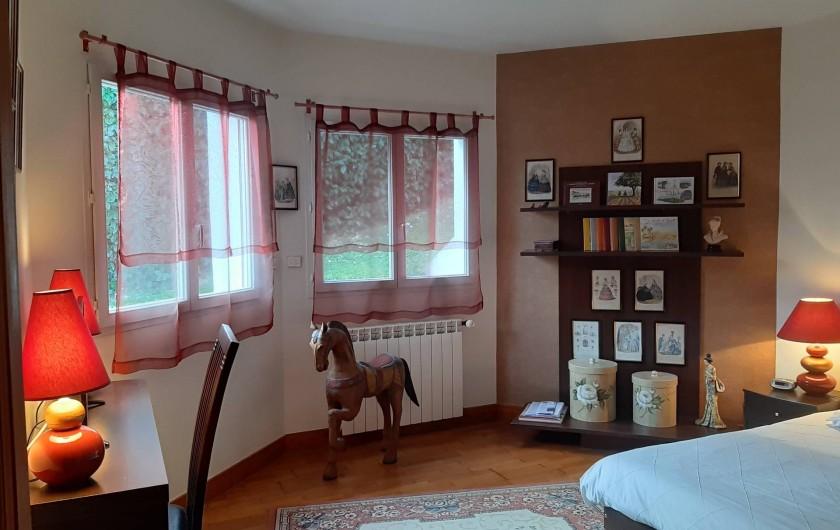 Location de vacances - Maison - Villa à Urrugne - Chambre 1 rez de jardin Deux lits en 90 jumelables