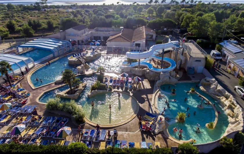 Location de vacances - Camping à Aytré - notre bel espace aquatique vu du ciel.