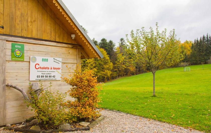 Location de vacances - Chalet à Sainte-Marie-aux-Mines - Façade automne