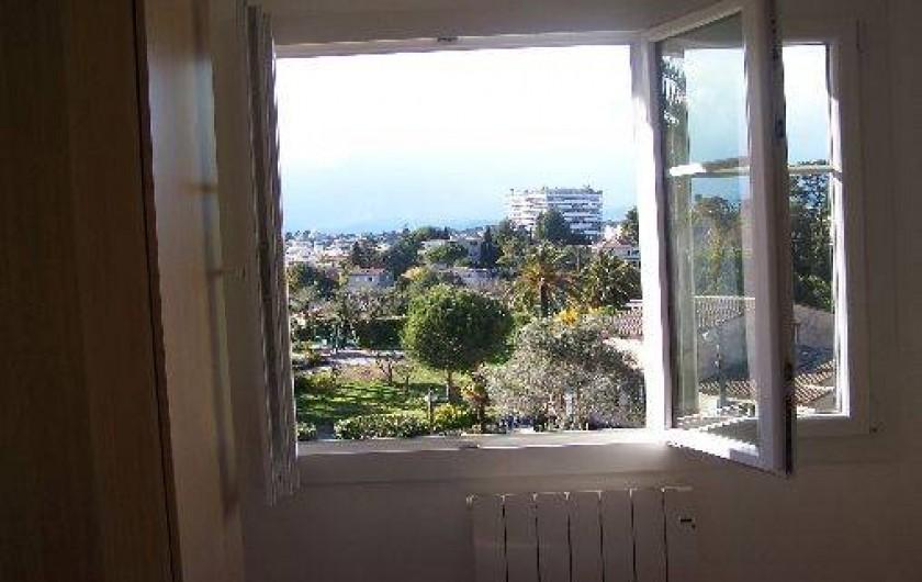 Location de vacances - Appartement à Cannes - Vue chambre 1