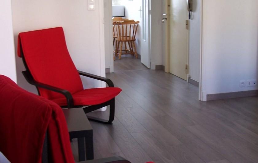 Location de vacances - Appartement à Cannes - Vue salle à manger coin détente