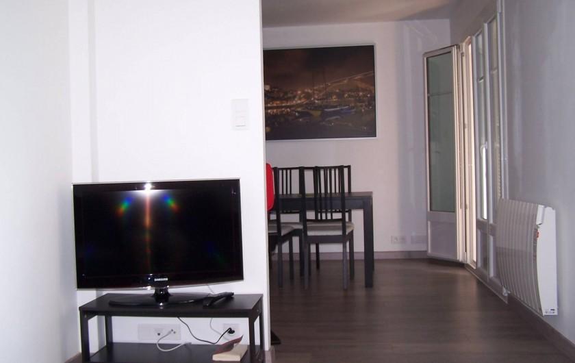 Location de vacances - Appartement à Cannes - Salon vue TV