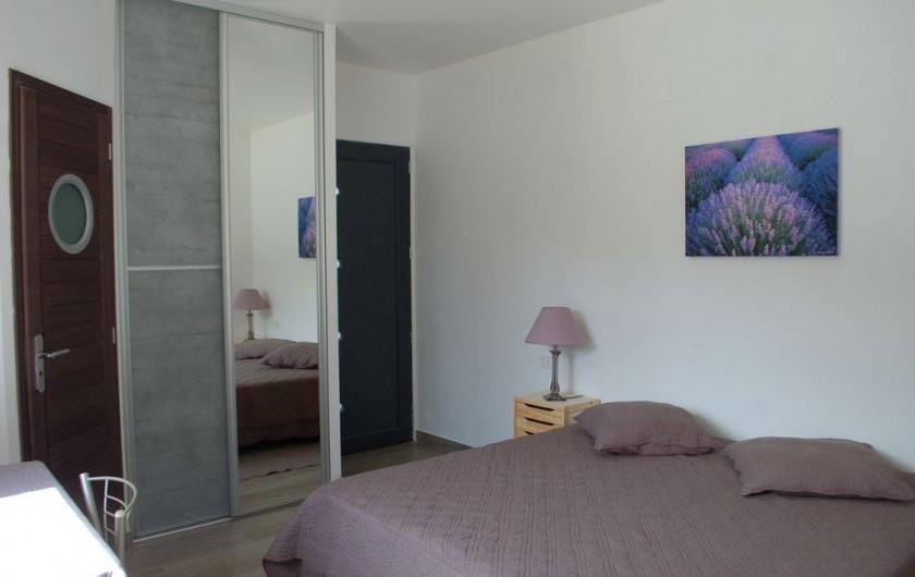 Location de vacances - Villa à Bargemon - Chambre n° 2. Vous choisissez : lit 180 cm ou 2 lits de 90 cm