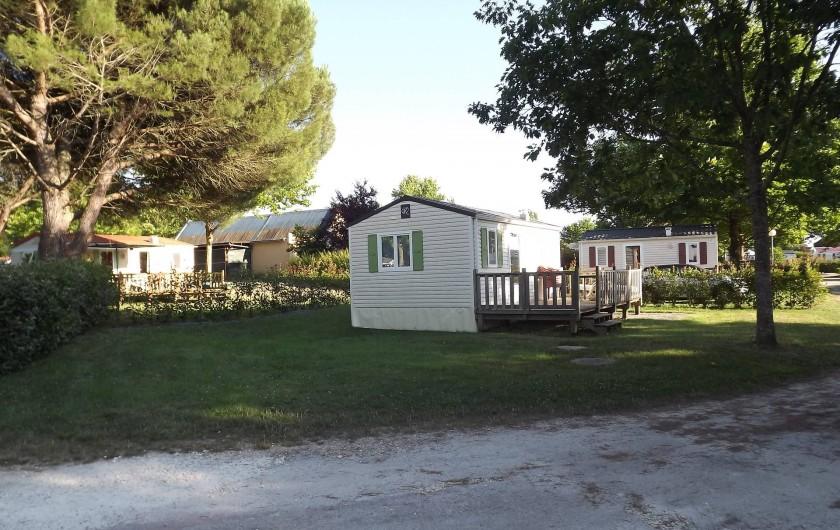 Location de vacances - Camping à Parcoul-Chenaud - Cottage 1 chambre 2 à 4 personnes