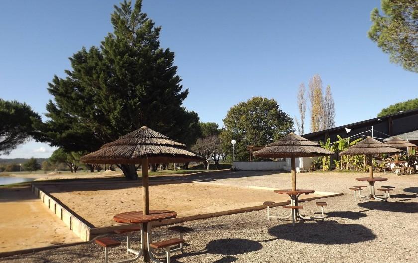Location de vacances - Camping à Parcoul-Chenaud - nouveau terrain de pétanque en 2019