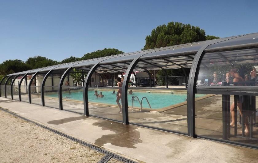 Location de vacances - Camping à Parcoul-Chenaud - Piscine couverte