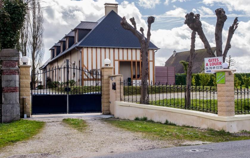 Location de vacances - Gîte à Vauville - ENTREE PORTAIL ELECTRIQUE ACCES AU PARKING PRIVE
