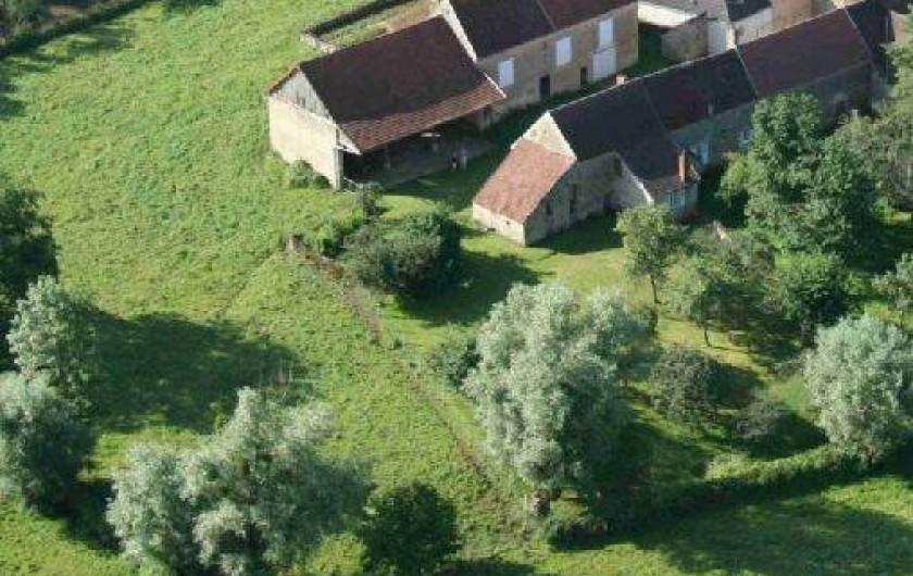 Location de vacances - Gîte à Courcelles - Vue aérienne
