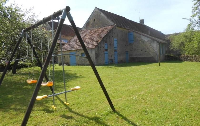 Location de vacances - Gîte à Courcelles - Vue du verger