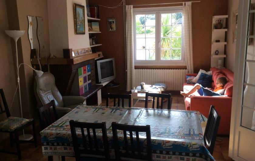 Location de vacances - Maison - Villa à Saint-Pierre-d'Oléron - Grande maison: Salle à manger / Salon
