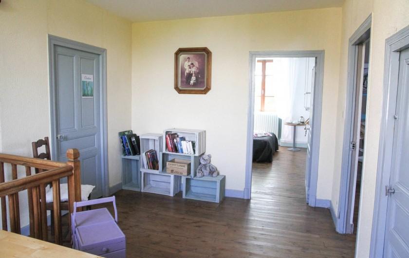 Location de vacances - Chambre d'hôtes à Sauveterre-de-Rouergue - Maison d'hôtes - palier 1er étage
