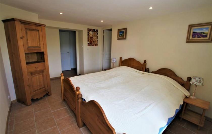 Location de vacances - Chambre d'hôtes à Sauveterre-de-Rouergue - Gîte - chambre avec lit jumeaux en 2x90