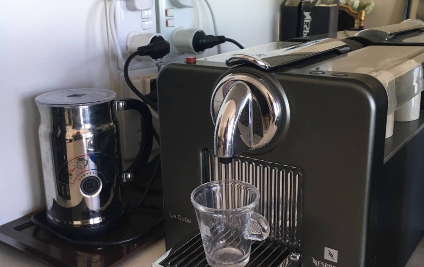 Location de vacances - Appartement à Saint Leonards - Machine à Café Nespresso (Il-y-a un chois de capsules Nespresso a acheter)