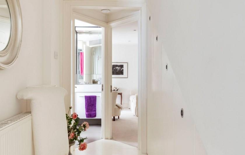 Location de vacances - Appartement à Saint Leonards - Vue vers la salle de bains et deuxieme chambre