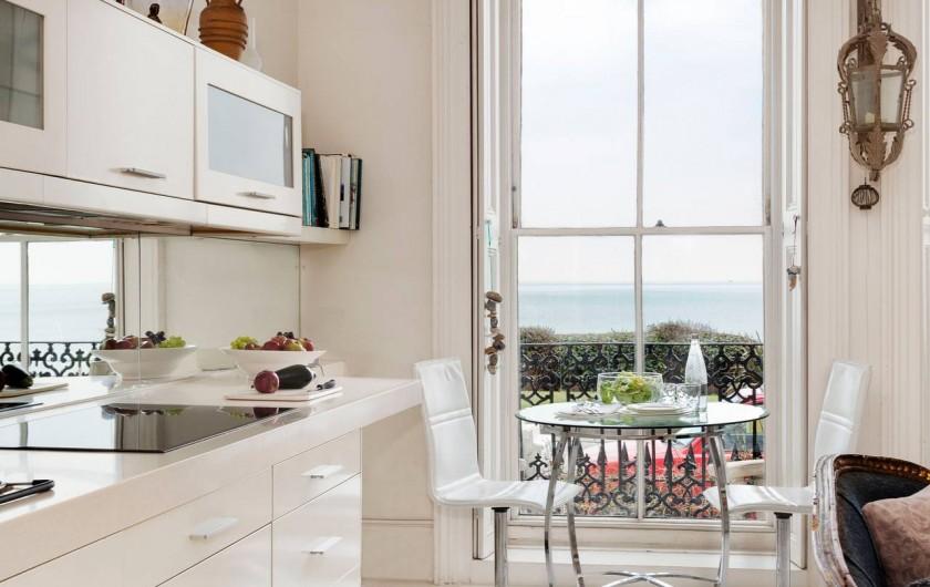 Location de vacances - Appartement à Saint Leonards - Cuisine et table à manger