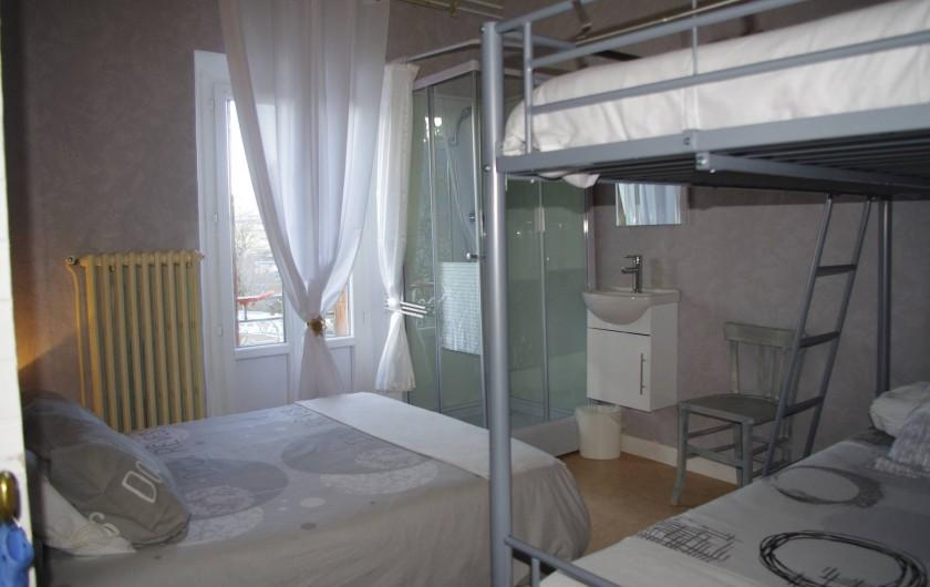 Location de vacances - Chambre d'hôtes à Saint-Étienne-du-Valdonnez - La Chambre Paro pour 1 couple avec 2 enfants à l'Auberge du Bramont en Lozère