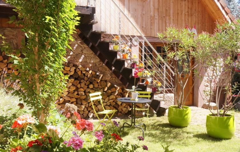 Location de vacances - Gîte à Ribeauville - Salons de jardin à disposition