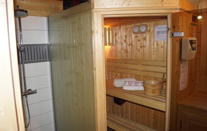 Location de vacances - Chalet à Basse-sur-le-Rupt - Sauna 2 personnes avec douche à l'Italienne