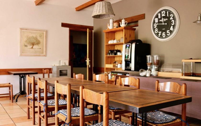 Location de vacances - Hôtel - Auberge à Saint-Jean-le-Centenier - Salle petit déjeuner