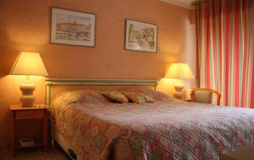 Location de vacances - Appartement à Cannes - CHAMBRE configuration grand lit