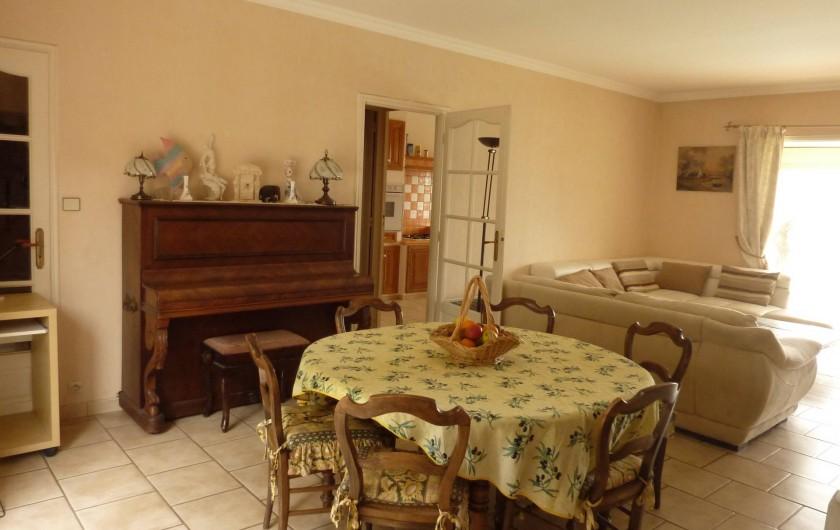Location de vacances - Villa à La Ciotat - Séjour Salon