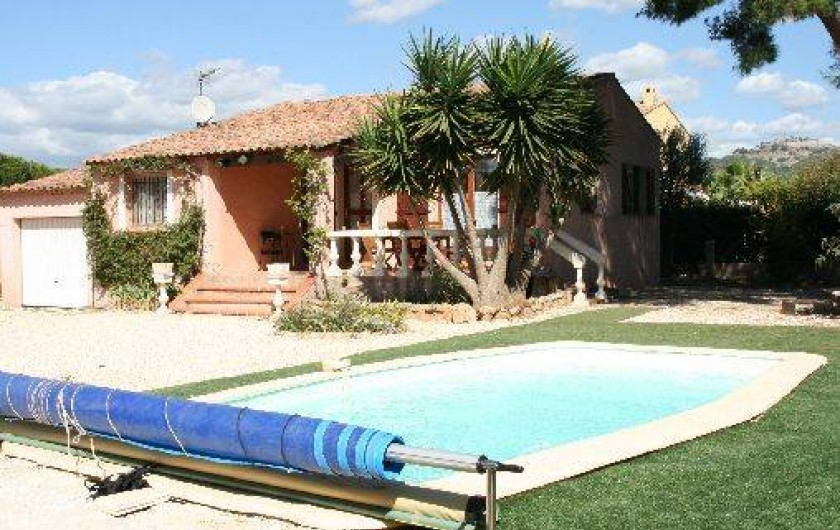 Villa avec piscine pr s de la mer six fours les plages for Horaire piscine six fours