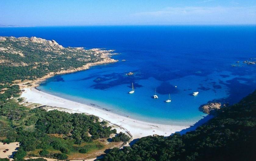 Location de vacances - Appartement à Sartène - Vue sur la plage de Roccapina