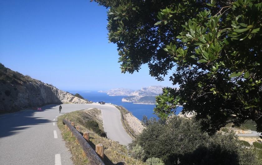 Location de vacances - Appartement à Marseille - Route de Crètes et Belveder