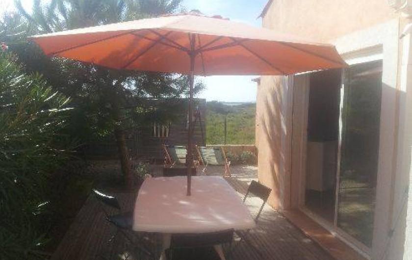 Location de vacances - Appartement à Hyères - terrasse