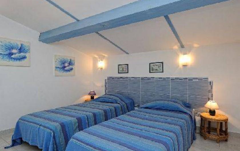 Location de vacances - Villa à Bonifacio - mini villa chambre n°2 avec 2 lits simple 90/190
