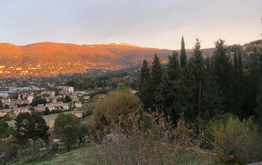 Location de vacances - Mas à Grasse - Vue Nord vers Malbosque.