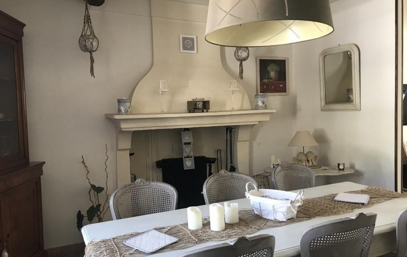 Location de vacances - Gîte à Buis-les-Baronnies - Salle à manger