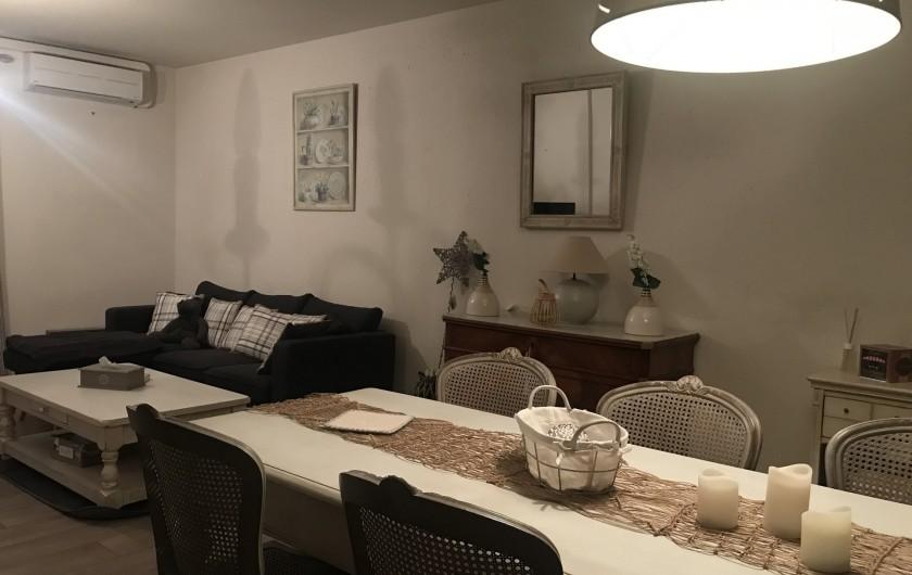 Location de vacances - Gîte à Buis-les-Baronnies - Salon/Salle à manger