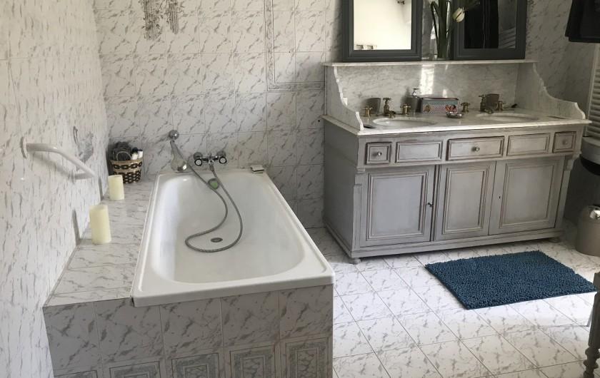 Location de vacances - Gîte à Buis-les-Baronnies - Salle de bain