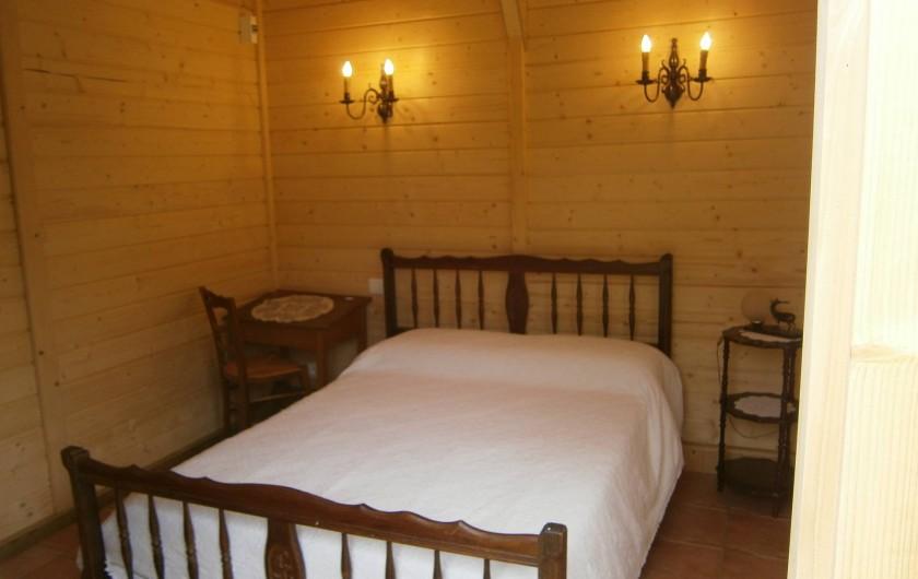 Location de vacances - Gîte à Mareuil-sur-Lay-Dissais - chambre 2 - lit de 140x190