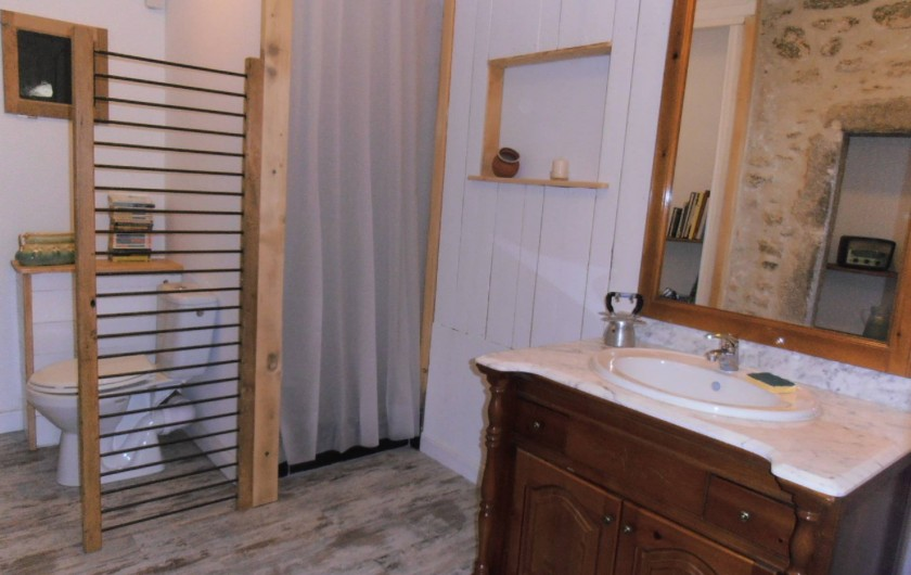 Location de vacances - Gîte à Marsanne - salle de bain gite location vacances tourisme Marsanne 2