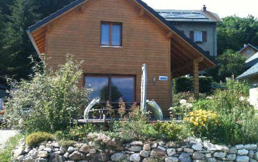 Location de vacances - Chalet à Saint-Hilaire - Chalet Glycine 6/8 p 4 étoiles, 3 clés Clevacances Label Clef Verte
