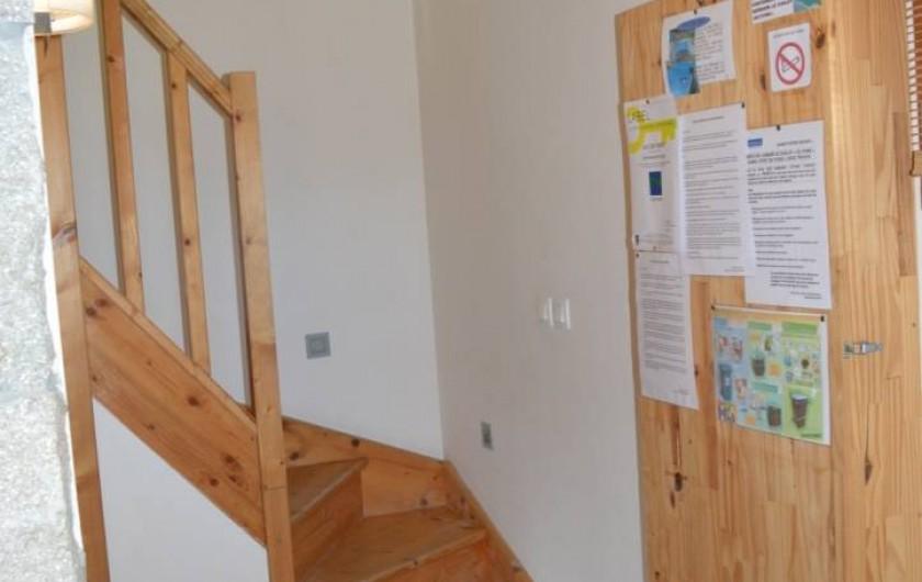 Location de vacances - Chalet à Saint-Hilaire - Montée d'escaliers