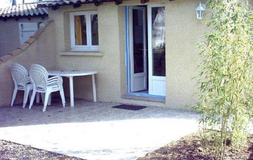 Location de vacances - Gîte à Villetelle - terrasse privée