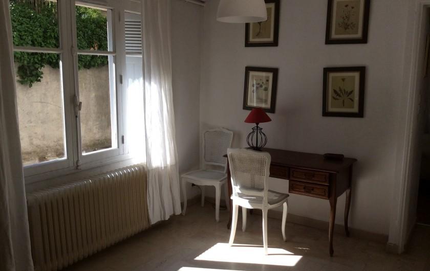 Location de vacances - Appartement à Nîmes - coin bureau