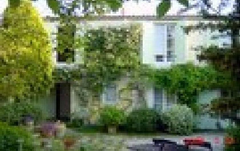 Location de vacances - Appartement à La Rochelle - maison coté rue.