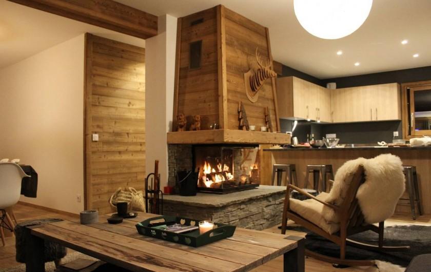 Location de vacances - Chalet à Pralognan-la-Vanoise - Coin salon et cheminée