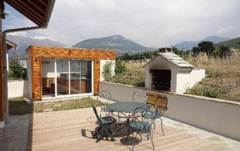 Location de vacances - Chalet à Crots - Terrasse