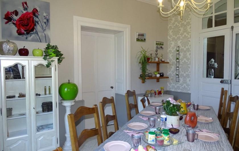 Location de vacances - Chambre d'hôtes à Bréville-les-Monts - salle des petits déjeuners