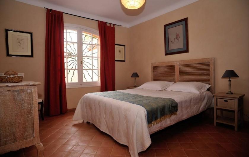 Location de vacances - Villa à Saint-Raphaël - Chambre 2 rez de chaussée