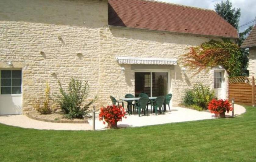 Location de vacances - Gîte à Argenteuil-sur-Armançon - Côté jardin