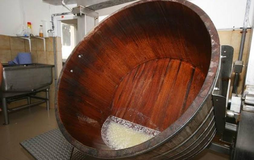 Location de vacances - Gîte à Lavigerie - Fabrication du fromage