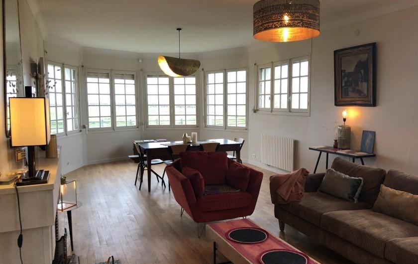 Location de vacances - Villa à Royan - Le séjour salon