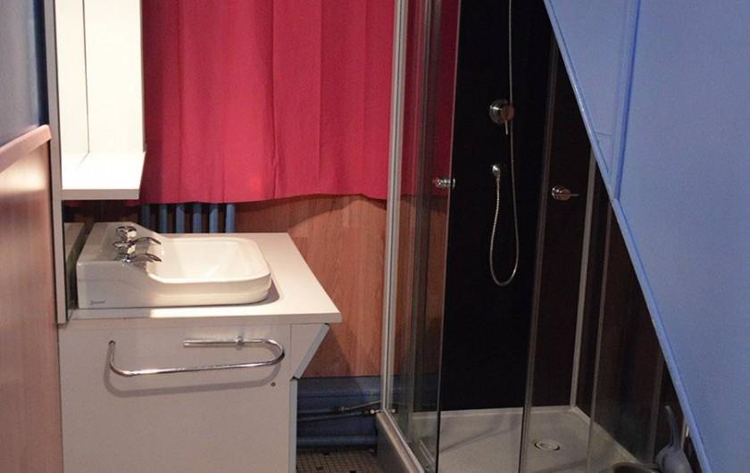 Location de vacances - Chalet à Le Grand Valtin - Salle de bain - RDC