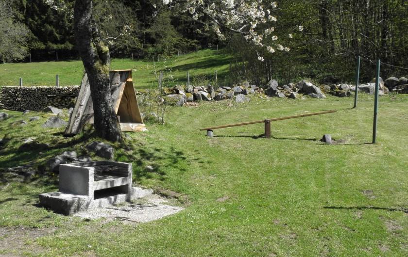 Location de vacances - Maison - Villa à Thiéfosse - Aire de jeux pour enfants et barbecue